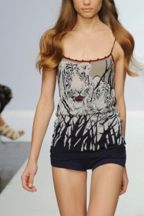 Krizia+que+desfila+na+semana+de+moda+de+Milão