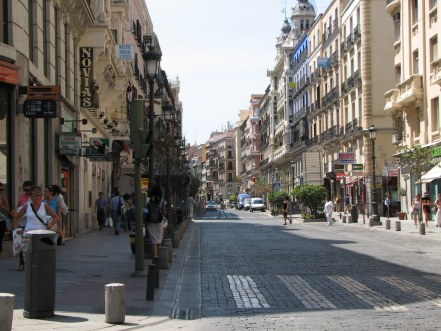 Calle_Mayor_(Madrid)_01