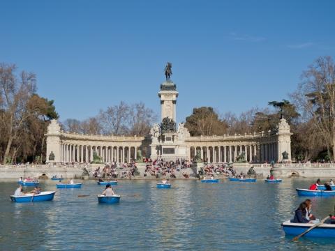 Monumento_a_Alfonso_XII_de_España_en_los_Jardines_del_Retiro_-_01